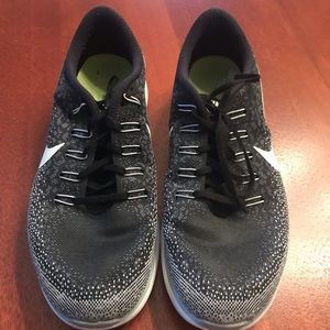 Men's black Nike athletic shoes